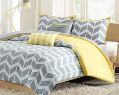 Chevron Comforter Set with Toss Pillows