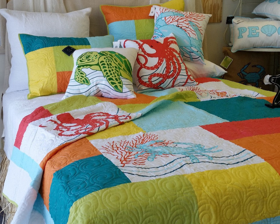Tropic Escape Pieced and Applique Quilt