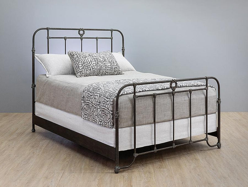 Beds - WESLEY ALLEN WELLINGTON IRON BED