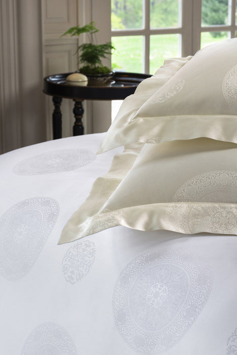 SFERRA Giza 45® Medallion Duvet Cover - Luxurious Beds and Linens