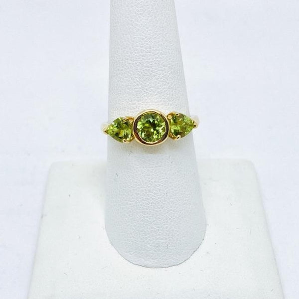 14K Yellow Solid Gold Genuine Peridot Ring w/Round & Heart Shaped Stones