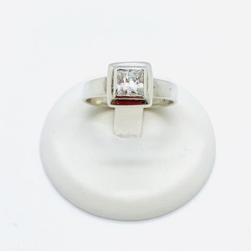 925 Sterling Silver Lady's Cubic Zirconia Ring