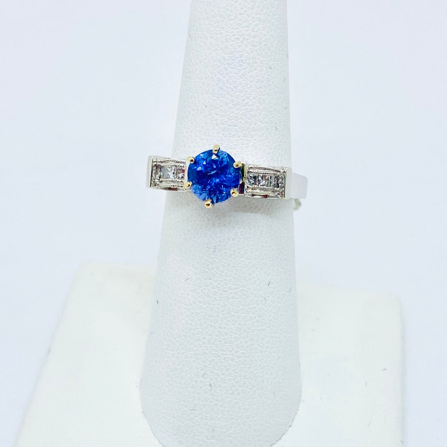 18k Solid White Gold Genuine Tanzanite & Diamond Ring