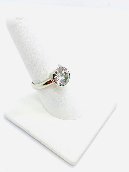 925 Sterling Silver Ring with Round Cubic Zirconia