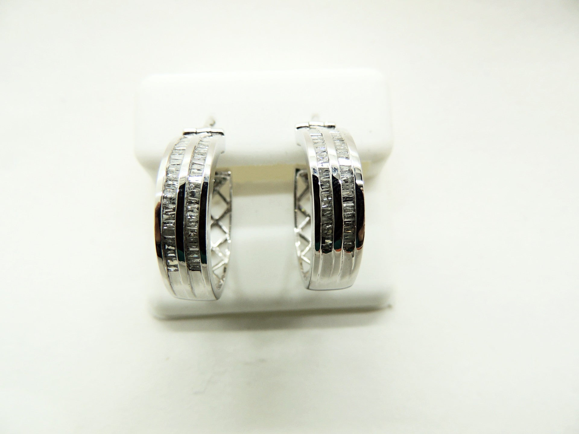 10K Solid White Gold Diamond Hoop Earrings, 1CTW
