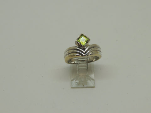 Solid Sterling Silver Ladies Genuine Peridot Ring