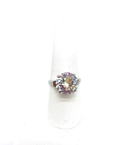 Sterling Silver Lady's Ring with Cubic Zirconia Stone