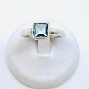 Sterling Silver Ring with Blue Topaz Stone, Size 6
