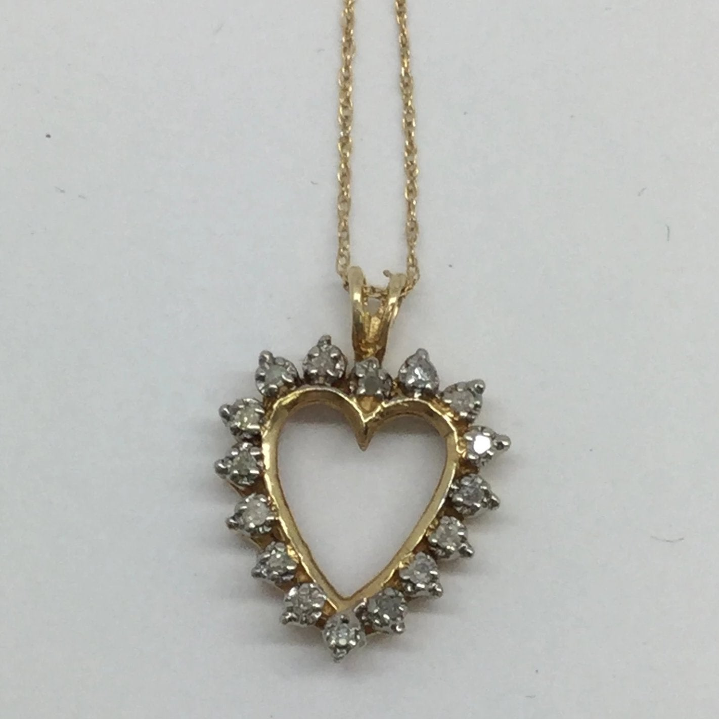 "10k Solid Gold Diamond Heart Pendant & Chain, 18"", .20ctw"
