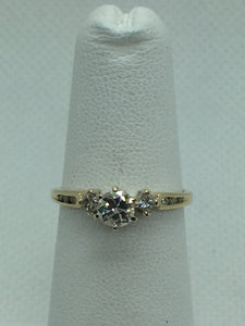 Vintage 14k Solid Gold Diamond Engagement Ring