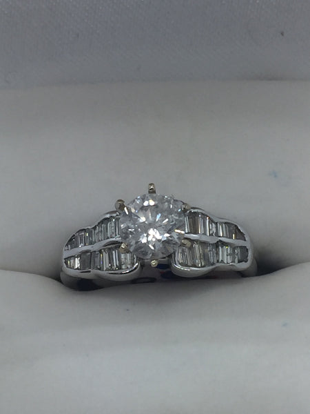 18k Solid White Gold Diamond Engagement Ring