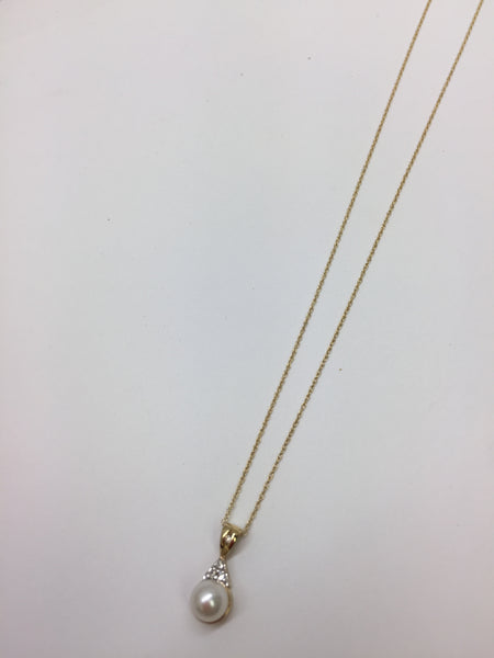 10Kt Gold Chain with Pearl & Diamonds