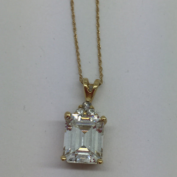 14k Solid Yellow Gold Cubic Zirconia Pendant & Chain