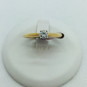 10k Solid Gold Diamond Solitare Engagement Ring