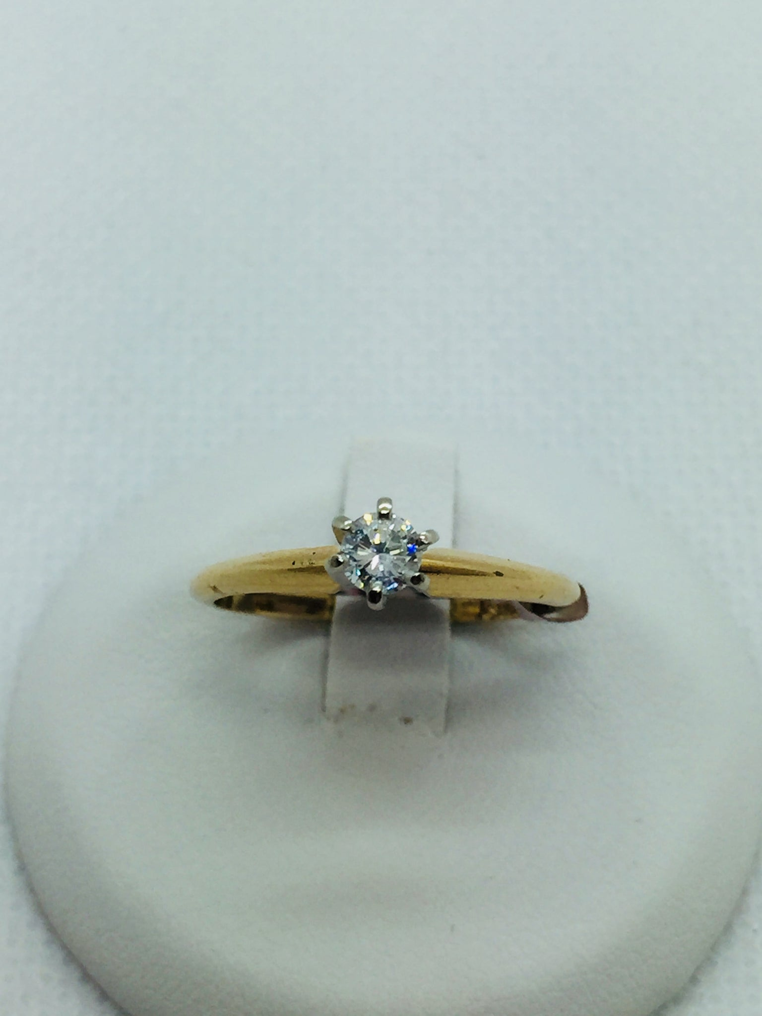14k Solid Gold Diamond Solitare Engagement Ring