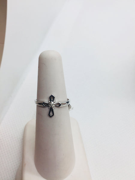 10k Solid White Gold Cross Diamond Ring