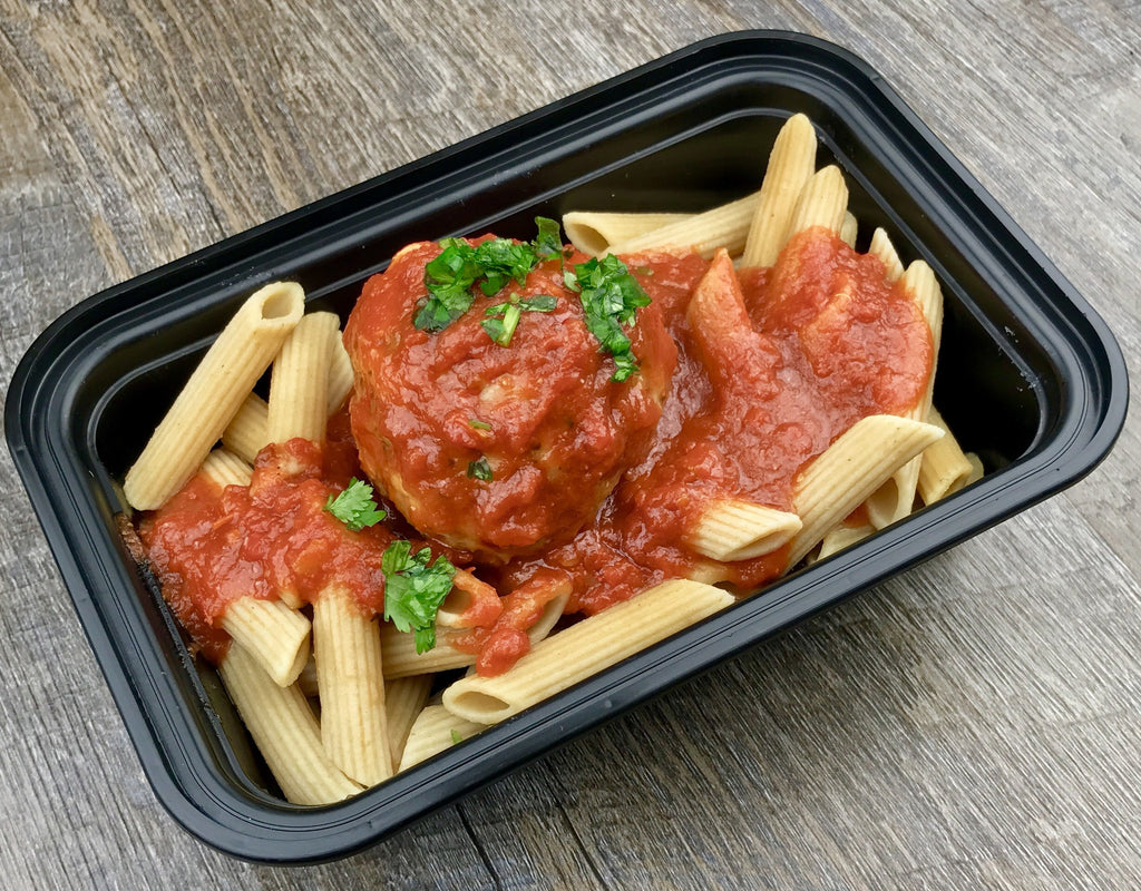 Turkey Meatballs with Whole Wheat Pasta and tomato sauce