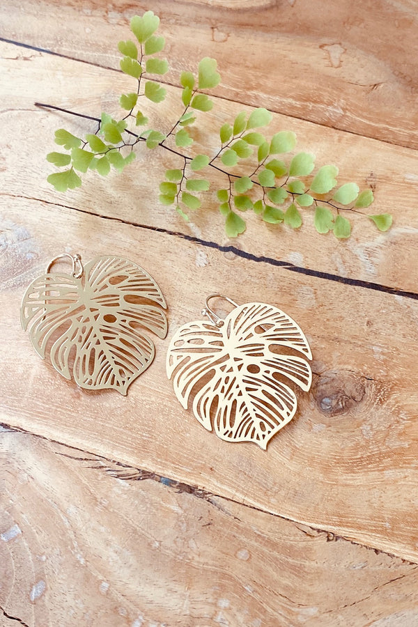 Etched Monstera Earring-Gold