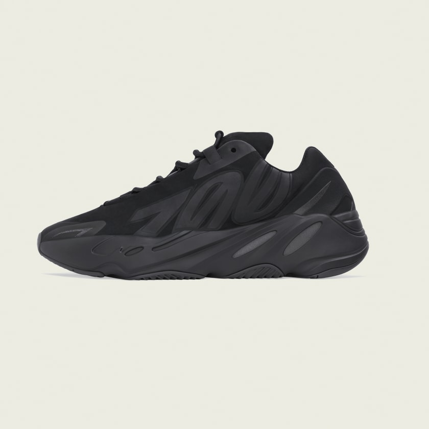 YEEZY BOOST 700 MNVN TRIPLE BLACK