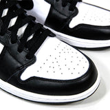 "AIR JORDAN 1 RETRO HIGH OG ""BLACK/WHITE"" 555088-010"