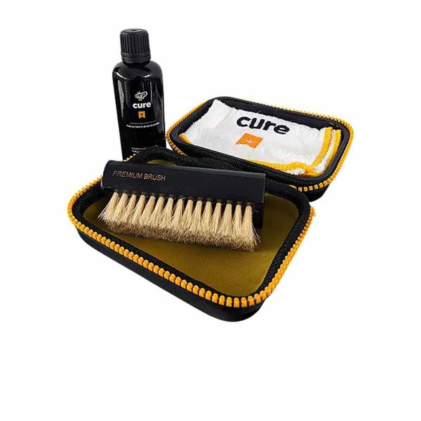 CREP PROTECT CURE KIT (SOLUTION WITH BRUSH)