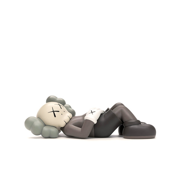 KAWS HOLIDAY JAPAN VINYL FIGURE BROWN SS19