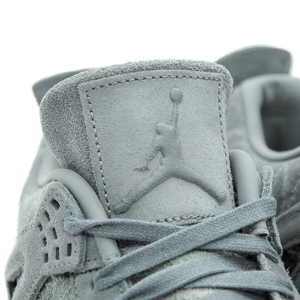 "KAWS X AIR JORDAN 4 ""COOL GREY"" 2017"