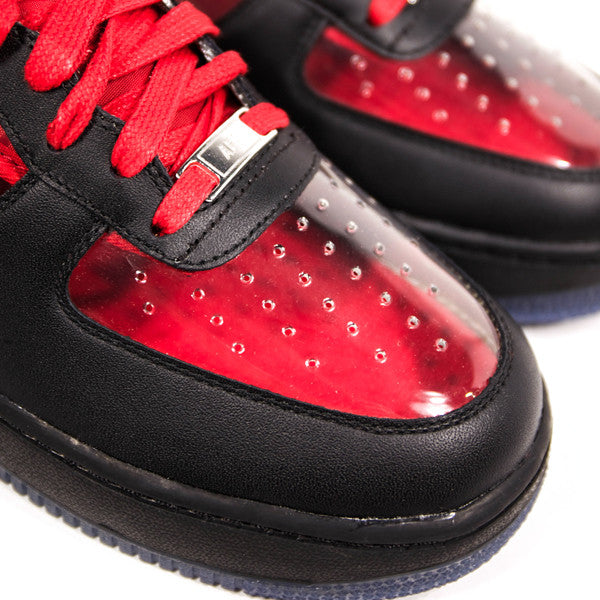 "NIKE AIR FORCE 1 LOW ""KYRIE IRVING"" UNIVERSITY RED 687843-001"