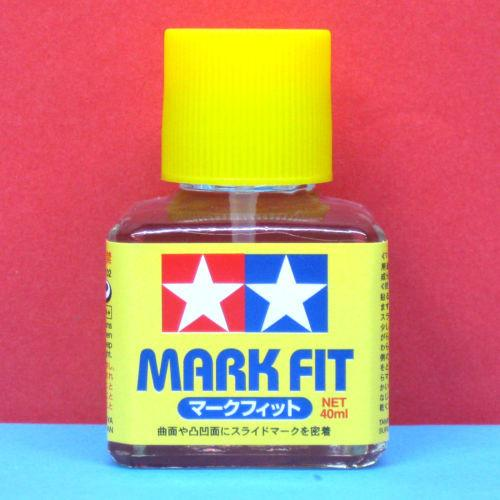MARK FIT DECAL SOLUTION - Tamiya 40ml Bottle w/ Applicator #87102