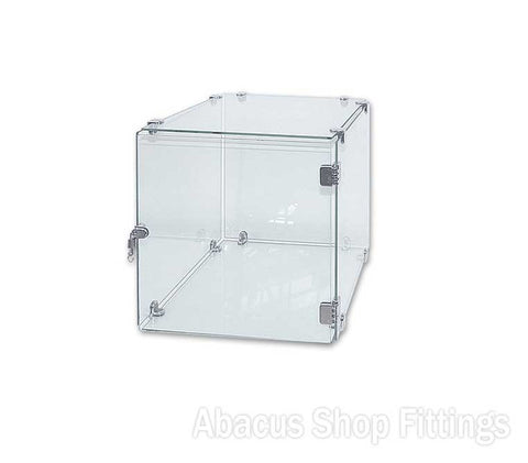 CUBE GLASS SHOWCASE