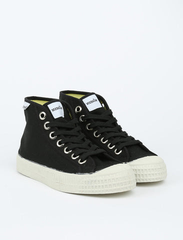 NOVESTA Star Dribble - Black 1