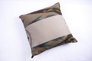 "Ikat and Suzani Embroidery Pillow Cover, ""Kamon"" (Bow) - HoonArts - 5"