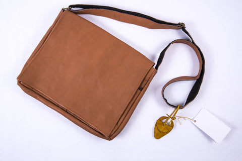 "Yak Leather Handbag ""Arash"" - Golden - Fair Trade"