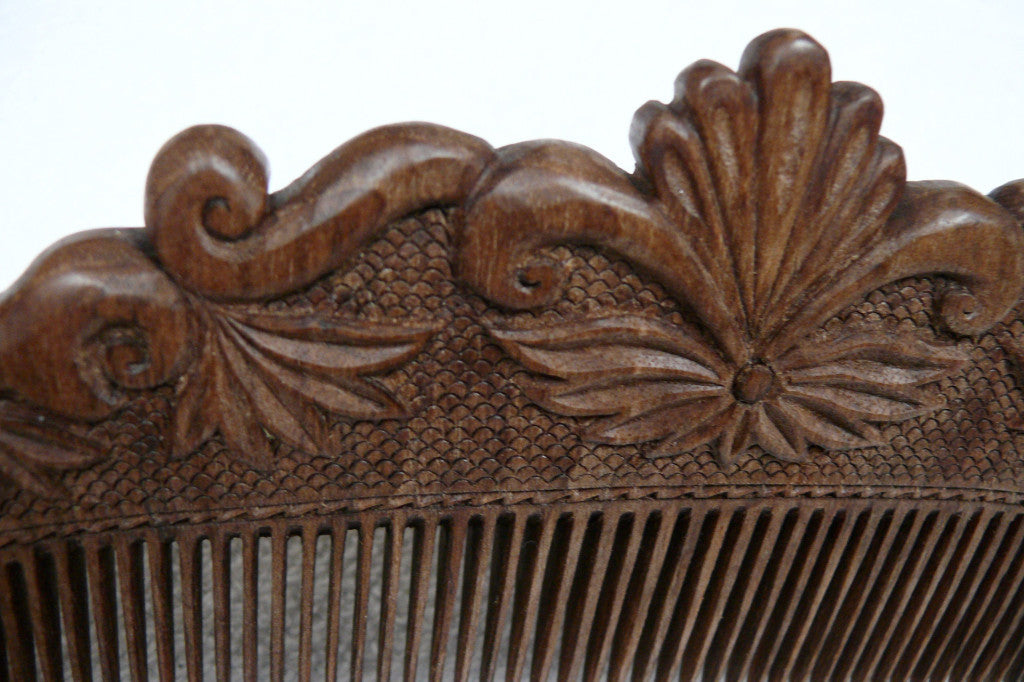 Hand carved ornamental wooden comb large fair trade hoonarts