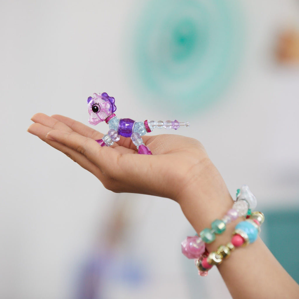 """Kids Pets Jewelry"" Get Kids Creative To Make a Bracelet, A Necklace or Transform Into a Pets"
