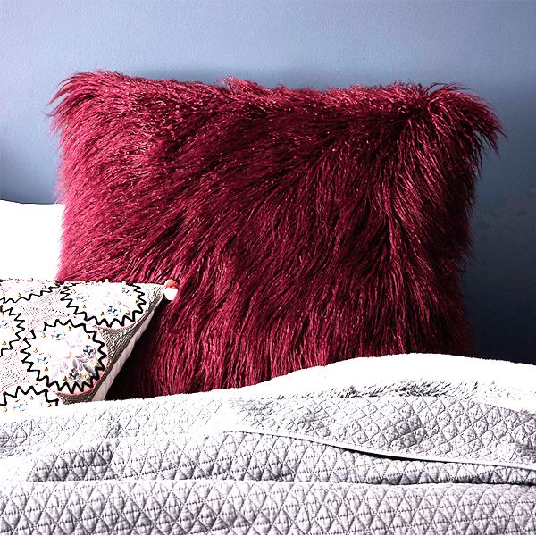 Luxury Faux Fur Plush Throw Pillow - Assorted Colours!