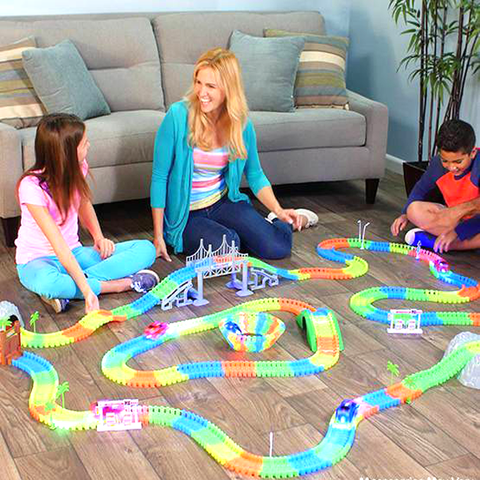165-Piece Glow-In-The-Dark Magic Racetrack Play Set