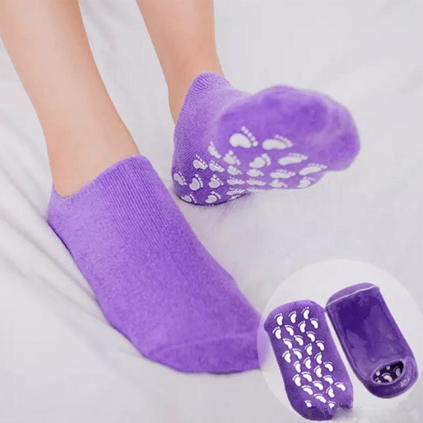 SPA Moisturizing Gel Socks With Essential Oils & Vitamin E