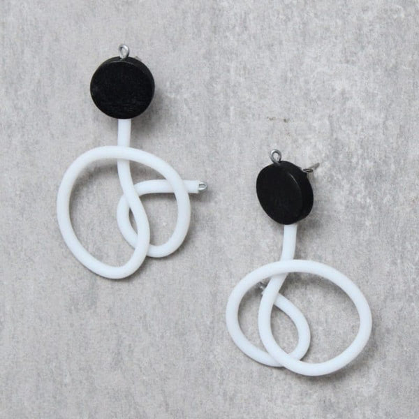 SYLCA DORA RUBBER TUBING EARRINGS - BLACK & WHITE - SD21E04BLKWHT