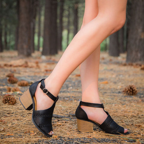 Core-94 Black Open Toe Strappy Sandal