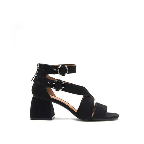 Cray-06 Black Strappy Buckle Sandal
