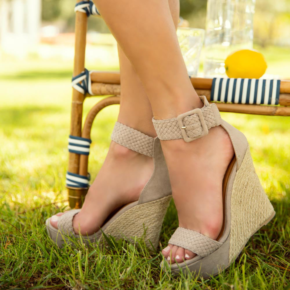 Flower-17X Taupe Single Band Wedges