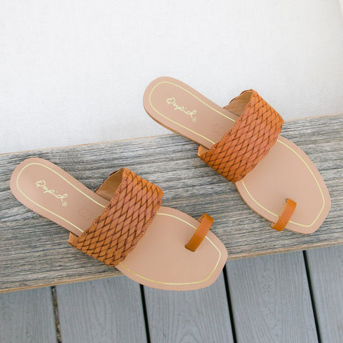 Hazy-58X Cognac Toe Ring One Band Sandals