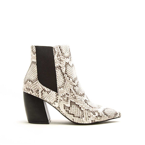 Milkway-07A Off White Black Snake Chelsea Bootie
