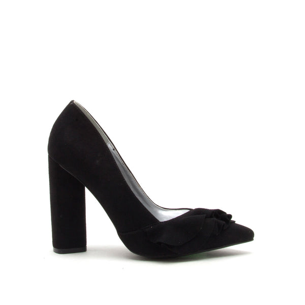 Miss-37 Black Ruffle Pump