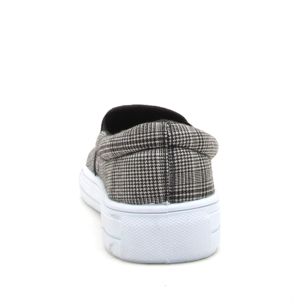 Reba-58B Black White Step In Sneaker