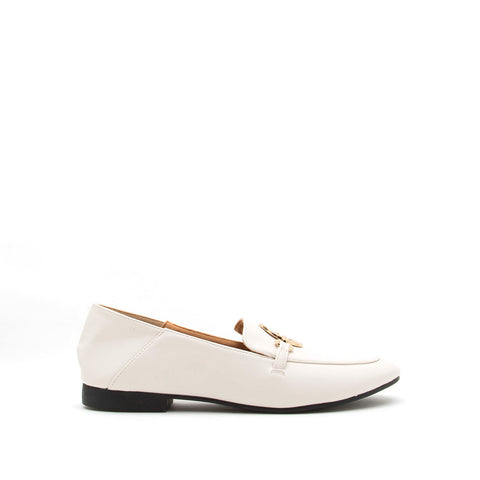Regent-92X Off White O Ring Moccasin Ballerinas