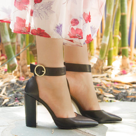 Signal-40 Black Ankle Strap On Pump