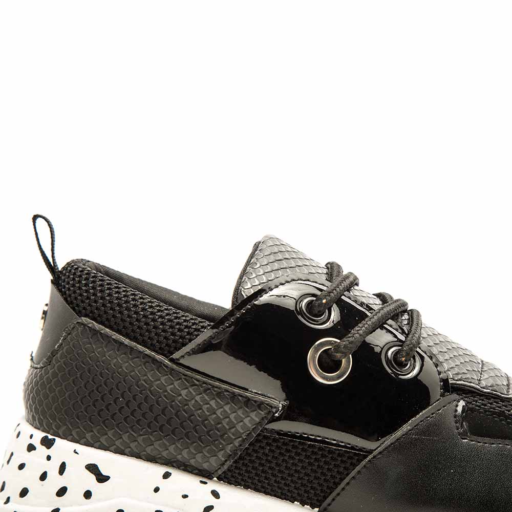 Toba-01 Black Lace Up Sneakers