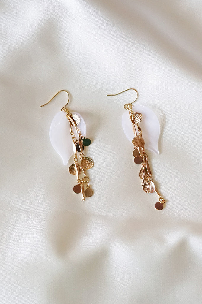 White Leaf seashell Earrings